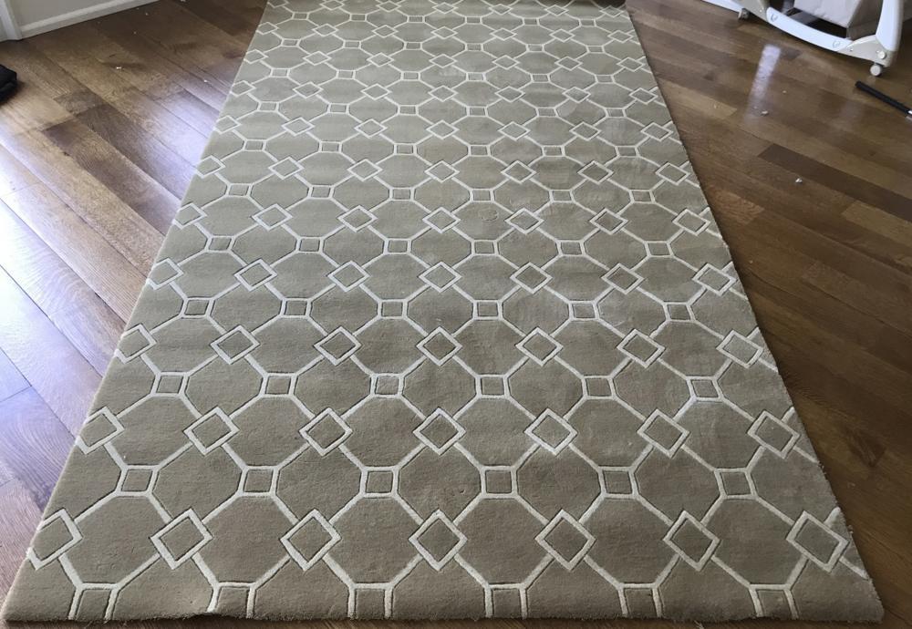 Contemporary Beige Carpet Runner w Diamond Pattern