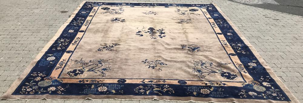 Oriental Chinese Art Deco Hand Knotted Wool Rug