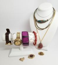 Collection of Vintage / Retro Costume Jewelry