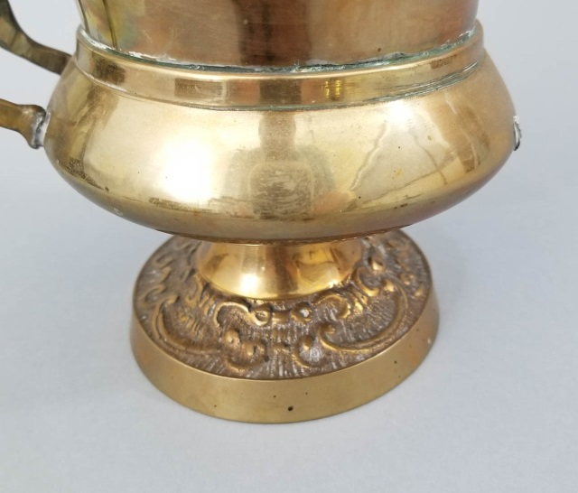 3 vintage brass items basket urn clam shell for Decorative crafts inc brass