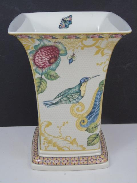 Spode English Porcelain Sumatra Pattern Vase