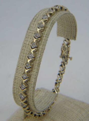 10k Yellow Gold & Diamond Tennis Bracelet