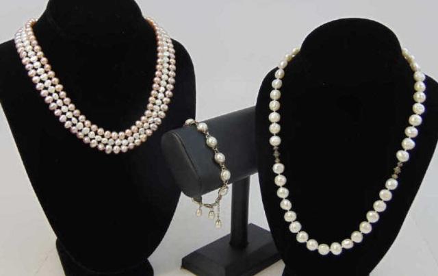 Estate Cultured Pearl Lot - Necklaces & Bracelets