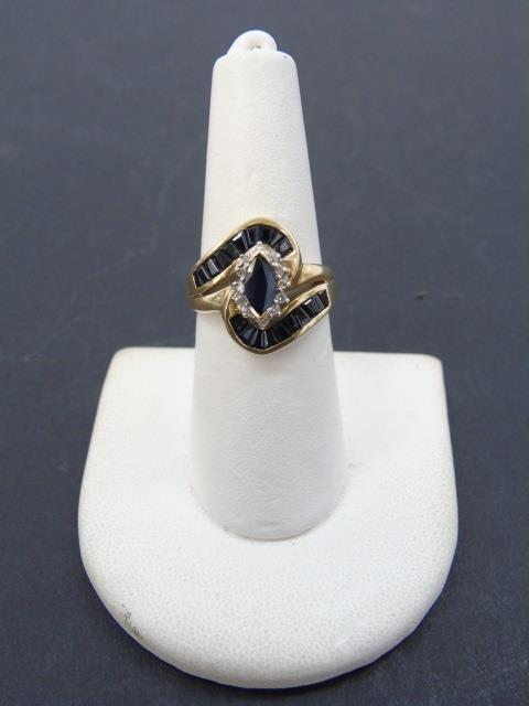 Vintage 10kt Yellow Gold Diamond & Sapphire Ring