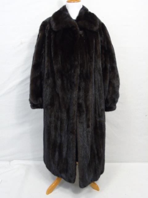 Vintage Ladies Full Length Dark Brown Mink Coat