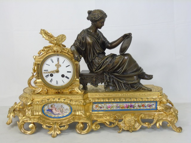 Antique 19th C French Gilt Bronze Mantle Clock