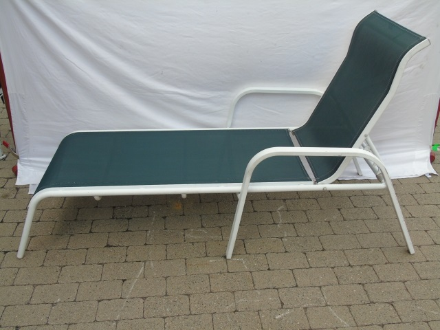 Pair Contemporary Pool Side Patio Lounge Chairs