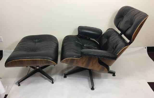 Mid Century Modern Herman Miller Eames Armchair