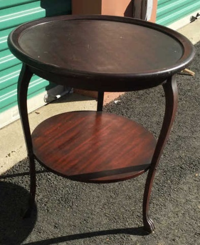 Round Antique Tiered End Table w Carved Feet
