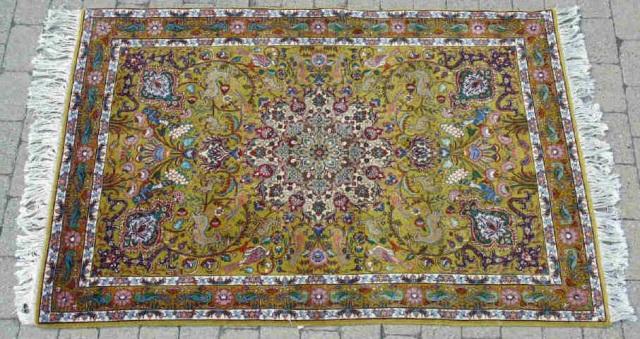 Hand Woven Wool Oriental Carpet w Fringe