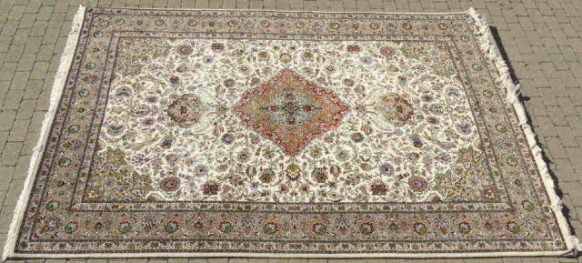 Persian Wool Carpet w Central Medallion & Fringe