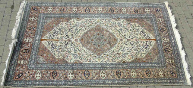 Pakistani / Persian Design 20th C Wool Carpet