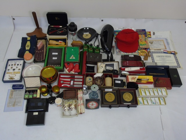Collection of Vintage Household & Life Style Items
