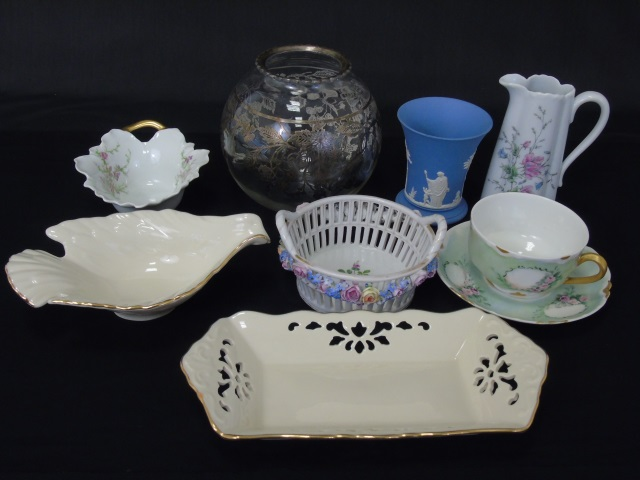 Assorted Vintage Porcelain Table Articles