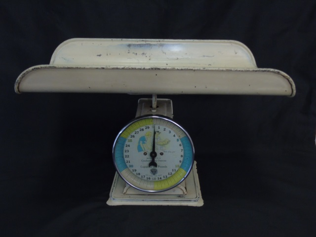 Vintage Bambi Metal Paragon Baby Scale