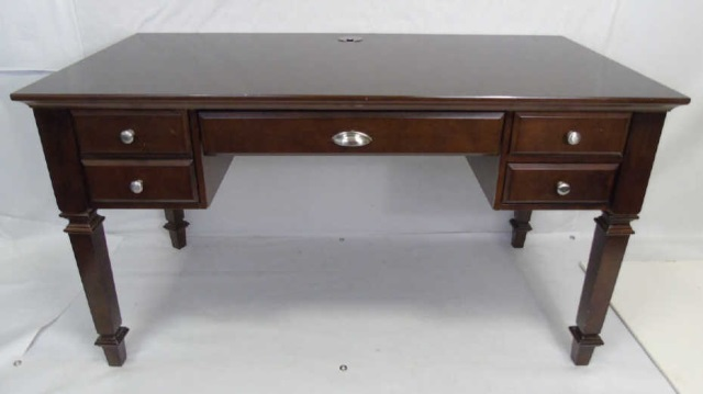 Contemporary Traditional Mahogany Tone Desk