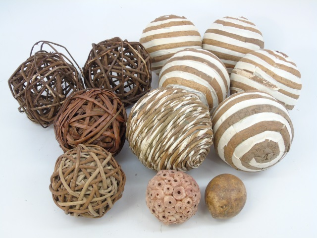 Contemporary Seasonal Decorative Balls/Globes
