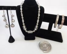Antique & Vintage Costume Jewelry Mixed Lot