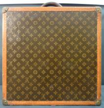 Antique (1910-1920) Louis Vuitton Suitcase