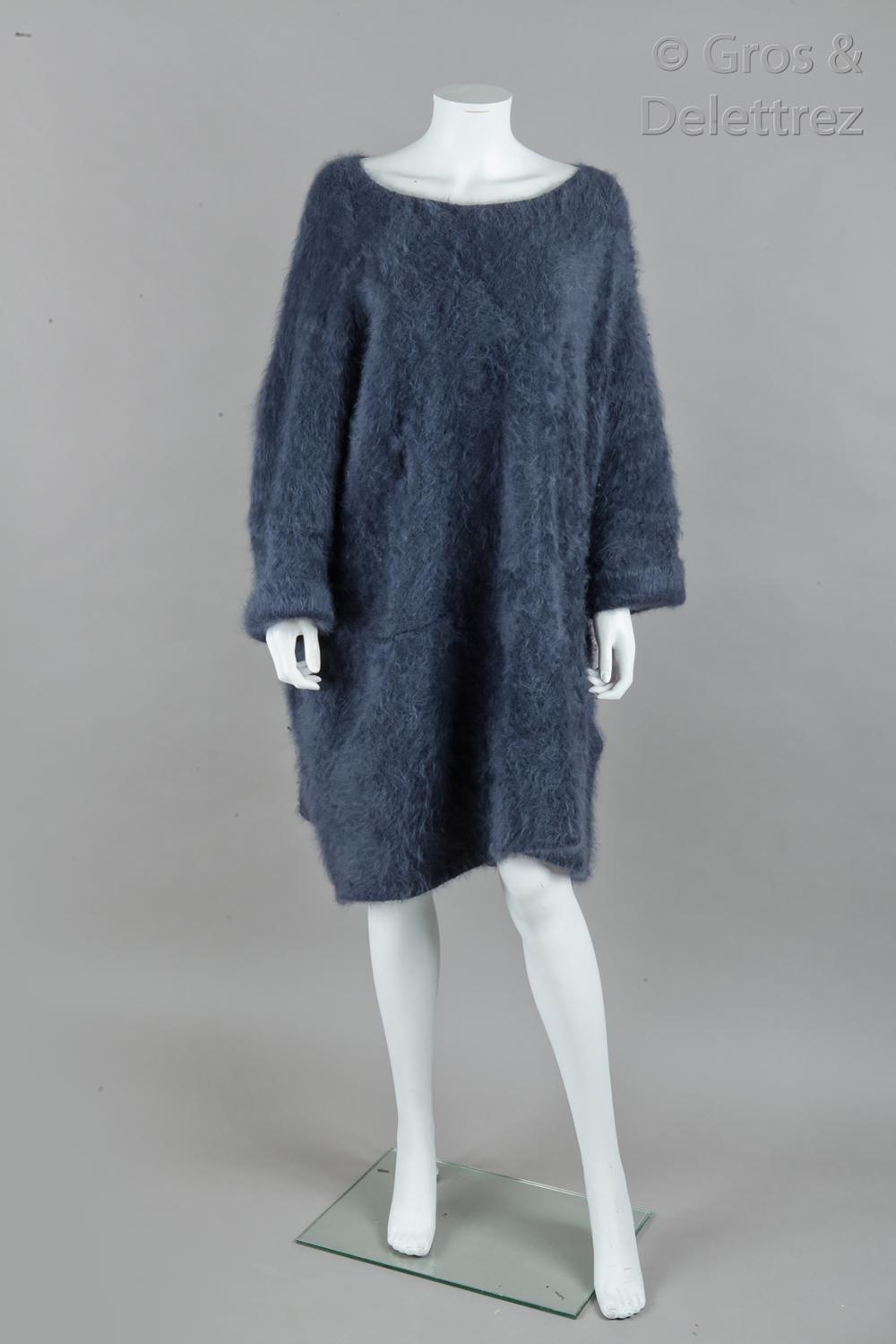 Louis VUITTON par Marc Jacobs - Collection Prêt-à-Porter Automne/Hiver 2007-2008 « La jeune fille au sac Monogram - Hommage à Vermeer » - Variation passage n°9