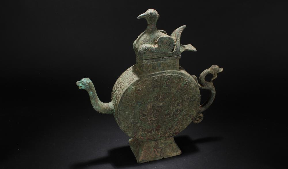 A Chinese Lidded Myth-beast-fortune Bronze Vessel Ewer