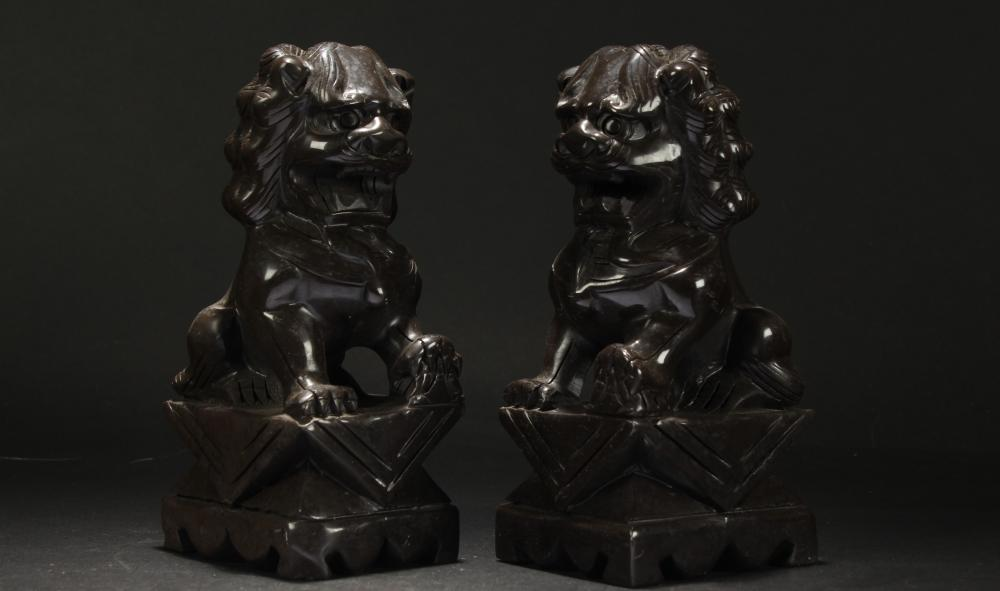 A Pair of Chinese Curving Myth-beast  Statues Display