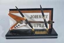 Johnny Guitar Pen Stand