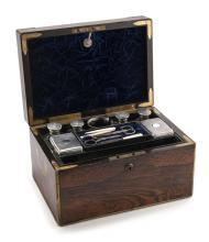 Nécessaire de voyage en métal argenté par Joseph Bramah, Picadilly, Londres, début XIXe s, 18x30x20 cm
