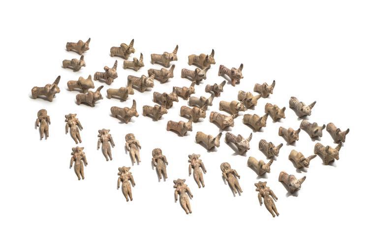 Ensemble de 51 figurines en terre cuite, IIIème millénaire av. J.-C., vallée de l'Indus