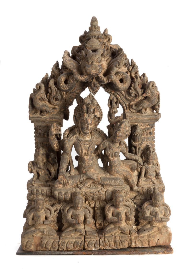 Shiva et Parvati, relief en bois ajouré, Népal, XVII-XVIIIe s., h. 63 cm