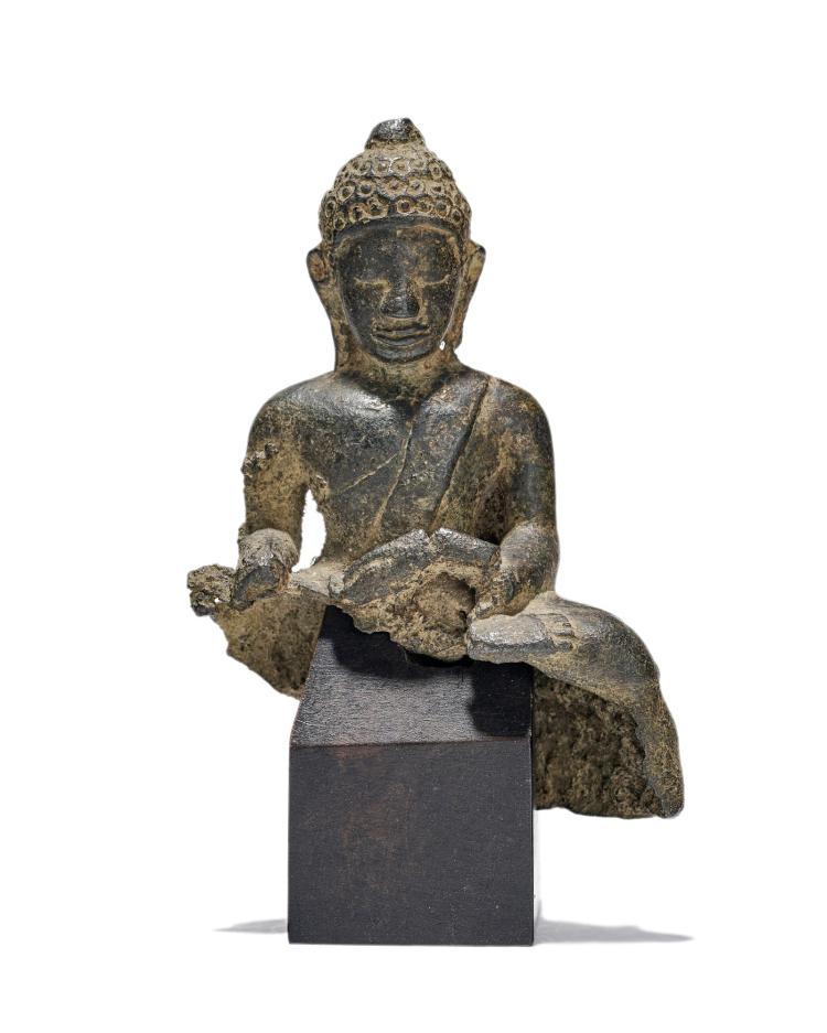 Bouddha en bronze, Vallée de Swat, XII-XIXe s., h. 12,5 cm (sans socle)