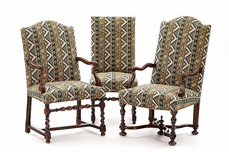 ensemble de 2 fauteuils et 1 chaise suisse xviiie s en n