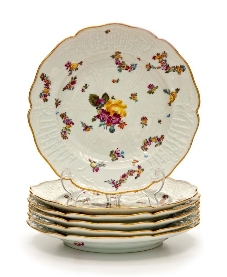 Suite de 6 assiettes en porcelaine de herend d but xxe a d - Guirlandes de fleurs ...