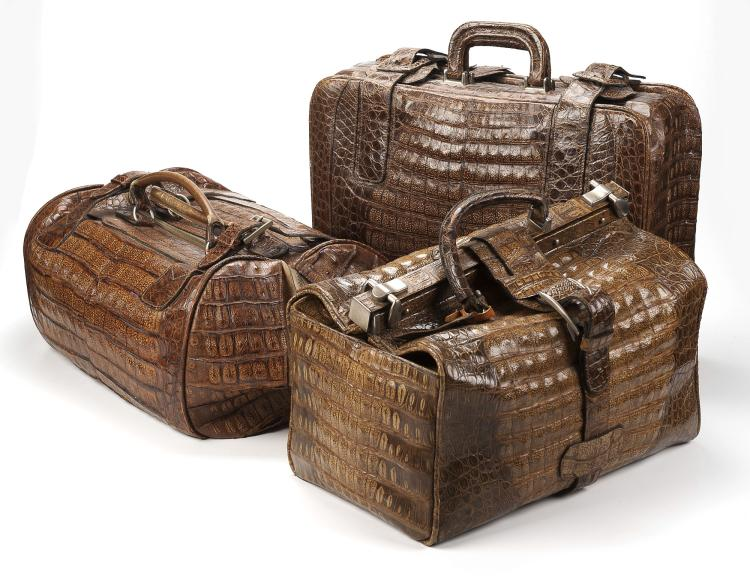 1 valise 1 sac weekend et 1 sac vanity en alligator havanne