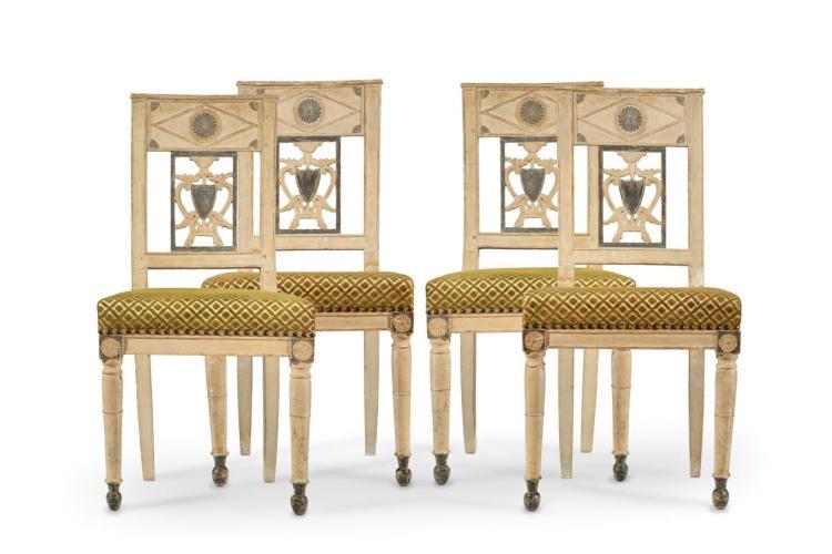 Suite de 4 chaises directoire en bois peint cr me et recham - Chaise transparente et bois ...