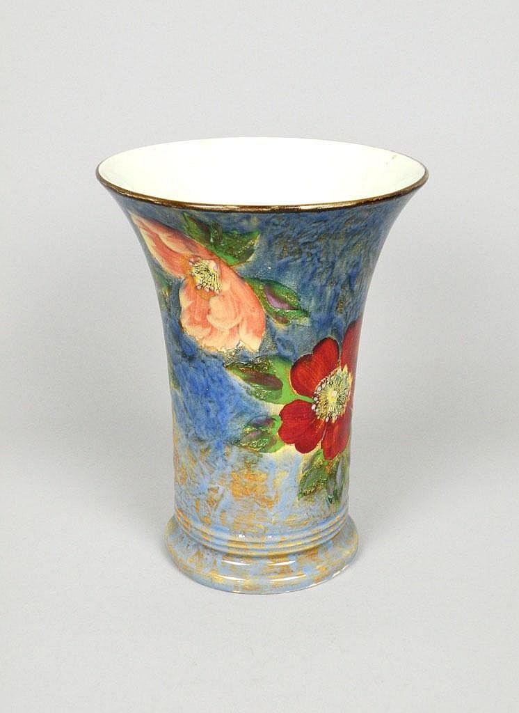 A Royal Doulton Anemone Pattern Vase D6227 Circa