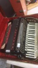 Noble accordion