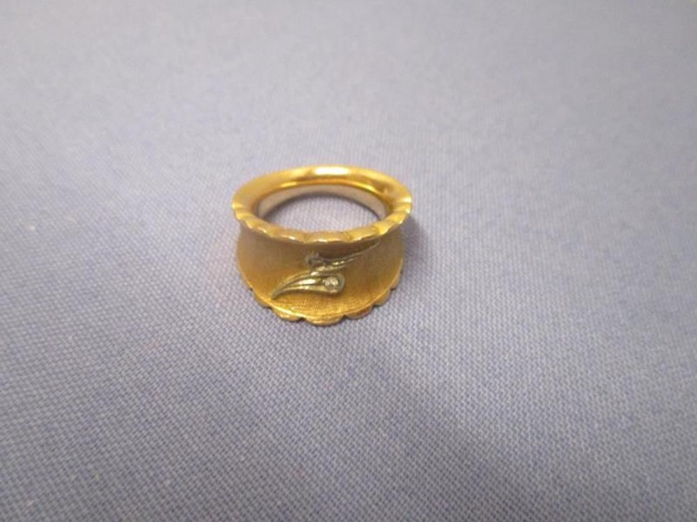 18 Karat Gold Ring w/ (2) Diamonds Set In Paisley Pattern, 14.6 Grams