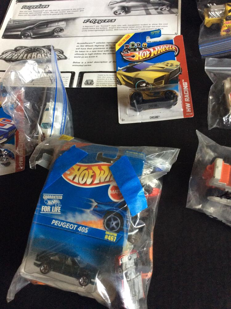 Toys For Trucks Wisconsin : Table top lot of hot wheels and other toy cars trucks wi