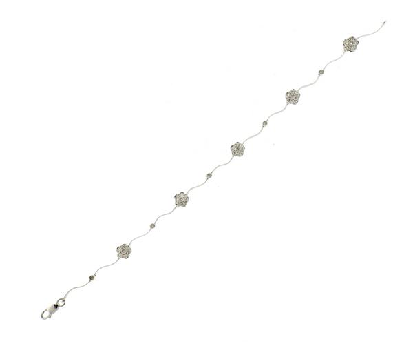 14K Gold Diamond Flower Motif Bracelet