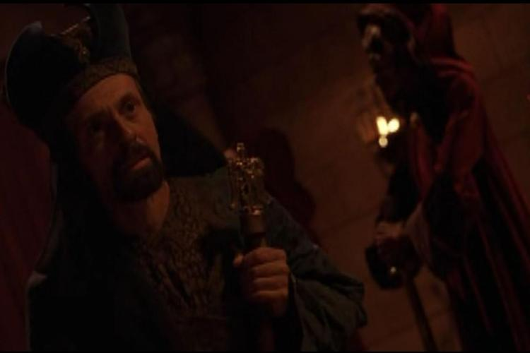 Lot 149: Wishmaster (1997) - Golden Eagle Sorcerer's Staff Used by Zoroaster (Ari Barak)