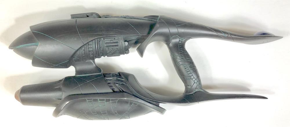 Stargate SG-1 (1997–2007) - Transphase Eradication Rod (T.E.R.) Weapon