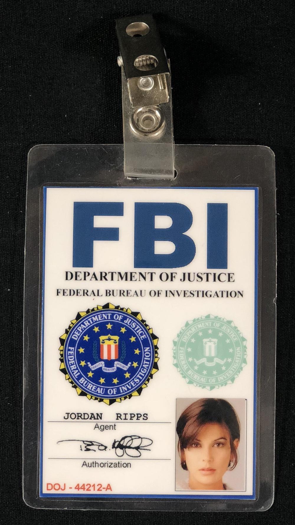 Momentum (2003) - Teri Hatcher FBI Badge
