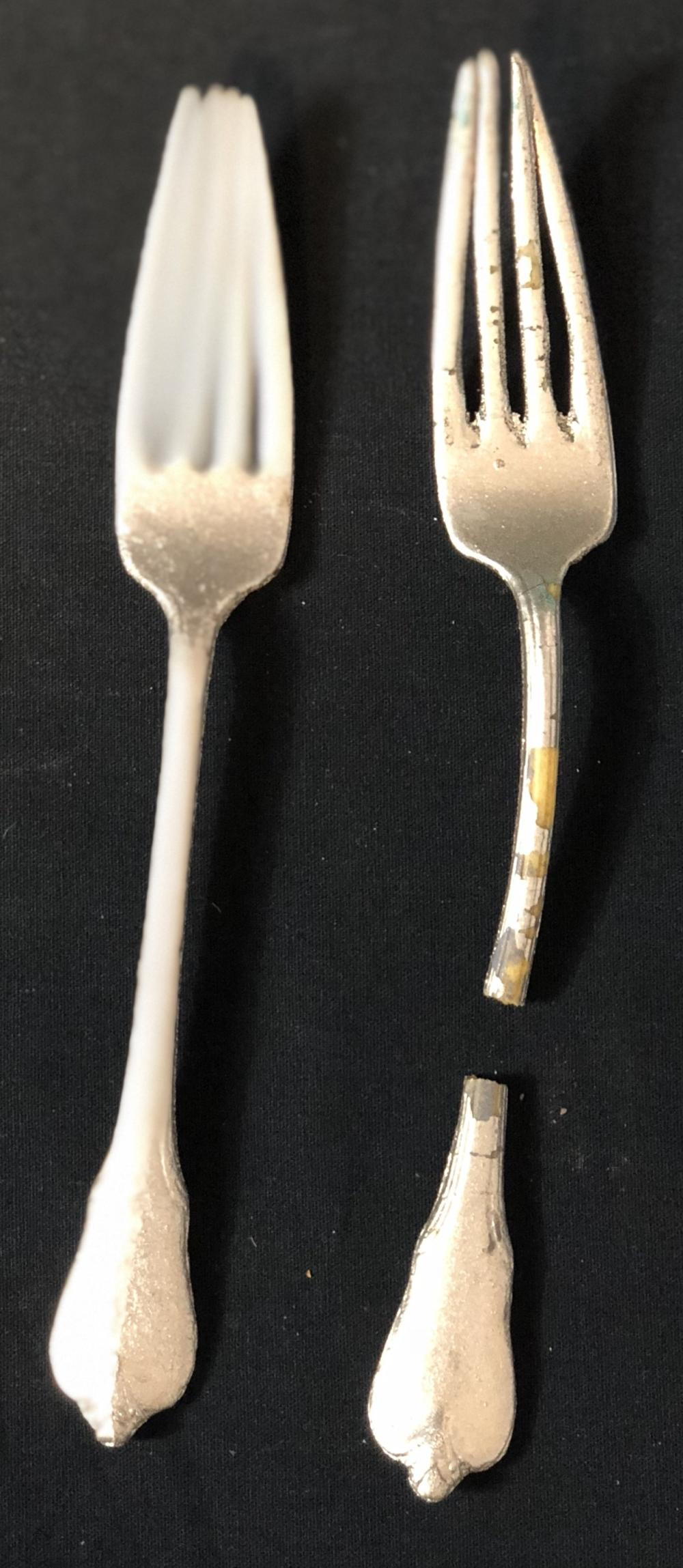 """Hot Shots! Part Deux (1993) - Set of 2 Resin Flatware Pieces From """"Lady and the Tramp"""" Scene"""