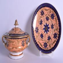 19th c. Regency period Coalport tureen cover and stand painted in underglaze blue and overglaze salmon and gilt