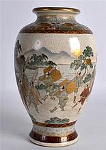AN EARLY 20TH CENTURY JAPANESE MEIJI PERIOD SATSUMA VASE painted with figur
