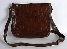 A LADIES MULBERRY BROWN LEATHER HANDBAG. 13Ins wide.