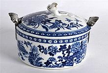 18TH C. WORCESTER BUTTER TUB AND COVER printed with the Fence pattern and a