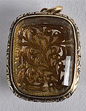 A RARE GEORGE III SILVER GILT AND ROCK CRYSTAL VINAIGRETTE with finely form