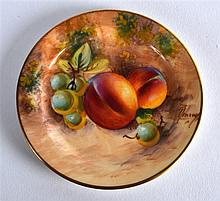 ROYAL WORCESTER MINIATURE DINNER PLATE painted with fruit by Roberts, signe